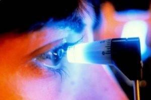 Lazer kullanarak göz tansiyonunun tedavisi