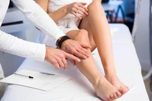 Huzursuz Bacak Sendromunun Tedavisi Nasıl Yapılır